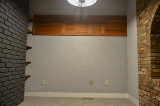 Photo 33: 12 QUESNELL Road in Edmonton: Zone 22 House for sale : MLS®# E4212400