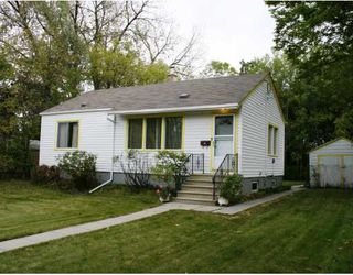 Photo 1:  in WINNIPEG: St Vital Residential for sale (South East Winnipeg)  : MLS®# 2919488