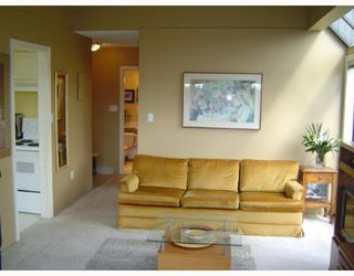 Photo 3: 2885 SPRUCE Street in Vancouver: Fairview VW Condo for sale (Vancouver West)  : MLS®# V640043
