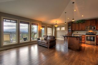 Photo 2: 2525 Selkirk  Drive in Kelowna: Other for sale : MLS®# 10036103