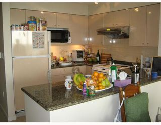 "Photo 5: # 806 7878 WESTMINSTER Hwy in Richmond: Brighouse Condo for sale in ""WELLINGTON AT THREE WEST CENTRE"" : MLS®# V678653"