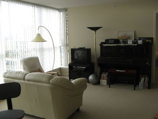 "Photo 3: # 806 7878 WESTMINSTER Hwy in Richmond: Brighouse Condo for sale in ""WELLINGTON AT THREE WEST CENTRE"" : MLS®# V678653"