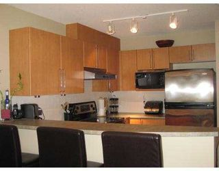 Photo 4: 159 1100 E 29TH Street in North_Vancouver: Lynn Valley Condo for sale (North Vancouver)  : MLS®# V704786