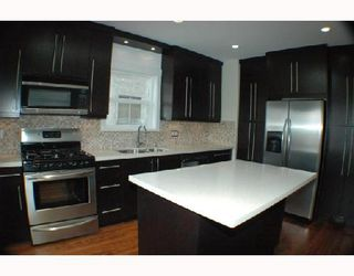 Photo 2: 2315 KITCHENER Street in Vancouver: Grandview VE House for sale (Vancouver East)  : MLS®# V712639