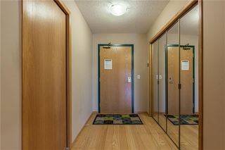 Photo 21: 214 7239 SIERRA MORENA Boulevard SW in Calgary: Signal Hill Apartment for sale : MLS®# C4282554