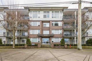 "Main Photo: 402 46150 BOLE Avenue in Chilliwack: Chilliwack N Yale-Well Condo for sale in ""THE NEWMARK"" : MLS®# R2434088"
