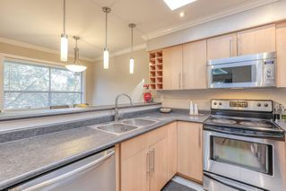 "Photo 9: 310 932 ROBINSON Street in Coquitlam: Coquitlam West Condo for sale in ""The Shaughnessy"" : MLS®# R2438593"