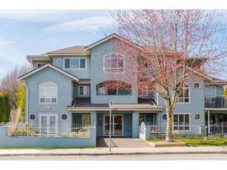 "Photo 2: 101 5909 177B Street in Surrey: Cloverdale BC Condo for sale in ""Carriage Court"" (Cloverdale)  : MLS®# R2446430"