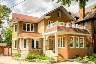 Photo 1: 32 Home Street in Winnipeg: Wolseley Residential for sale (5B)  : MLS®# 202014014