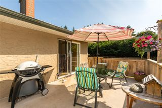 Photo 10: 5143 Santa Clara Ave in : SE Cordova Bay House for sale (Saanich East)  : MLS®# 851992