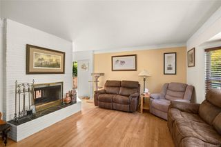 Photo 4: 5143 Santa Clara Ave in : SE Cordova Bay House for sale (Saanich East)  : MLS®# 851992