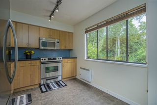 Photo 4: 3478 NAIRN Avenue in Vancouver: Champlain Heights Townhouse for sale (Vancouver East)  : MLS®# R2479939