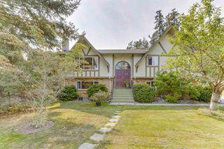 Photo 1: 945 EDEN Crescent in Delta: Tsawwassen East House for sale (Tsawwassen)  : MLS®# R2493592