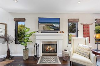 Photo 4: MISSION HILLS House for sale : 3 bedrooms : 4004 Lark St in San Diego
