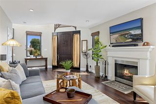 Photo 3: MISSION HILLS House for sale : 3 bedrooms : 4004 Lark St in San Diego
