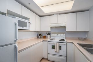 """Photo 13: 1106 10899 UNIVERSITY Drive in Surrey: Whalley Condo for sale in """"OBSERVATORY"""" (North Surrey)  : MLS®# R2507085"""