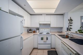 """Photo 11: 1106 10899 UNIVERSITY Drive in Surrey: Whalley Condo for sale in """"OBSERVATORY"""" (North Surrey)  : MLS®# R2507085"""