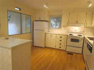 Photo 2: 126 2500 Florence Lake Rd in : La Florence Lake Manufactured Home for sale (Langford)  : MLS®# 859078