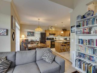 "Photo 5: 9 7171 STEVESTON Highway in Richmond: Broadmoor Townhouse for sale in ""Cassis"" : MLS®# R2518813"