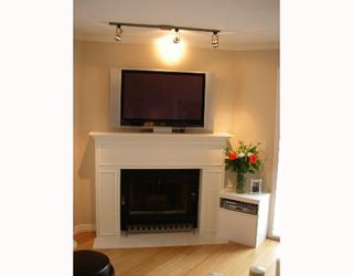 "Photo 2: 203 888 W 13TH Avenue in Vancouver: Fairview VW Condo for sale in ""THE CASABLANCA"" (Vancouver West)  : MLS®# V650167"