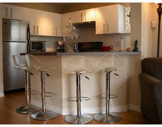 "Photo 6: 203 888 W 13TH Avenue in Vancouver: Fairview VW Condo for sale in ""THE CASABLANCA"" (Vancouver West)  : MLS®# V650167"