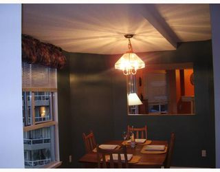 """Photo 5: 806 1185 QUAYSIDE Drive in New_Westminster: Quay Condo for sale in """"THE MANSIONS"""" (New Westminster)  : MLS®# V662539"""