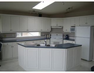 Photo 4: 657 BONNER Avenue in WINNIPEG: North Kildonan Single Family Detached for sale (North East Winnipeg)  : MLS®# 2717647