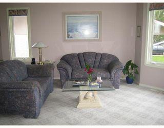 Photo 2: 657 BONNER Avenue in WINNIPEG: North Kildonan Single Family Detached for sale (North East Winnipeg)  : MLS®# 2717647