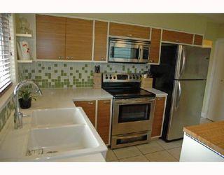 Photo 4: 4941 PRINCE ALBERT Street in Vancouver: Fraser VE House for sale (Vancouver East)  : MLS®# V702108