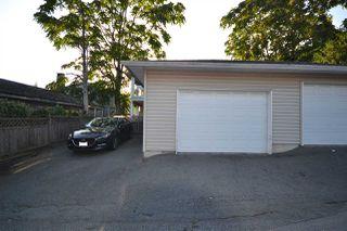 Photo 4: 307 BLUE MOUNTAIN Street in Coquitlam: Maillardville House 1/2 Duplex for sale : MLS®# R2409354