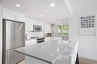 "Photo 5: 111 125 MILROSS Avenue in Vancouver: Downtown VE Condo for sale in ""CREEKSIDE"" (Vancouver East)  : MLS®# R2418206"