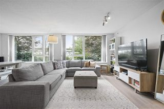 "Photo 1: 111 125 MILROSS Avenue in Vancouver: Downtown VE Condo for sale in ""CREEKSIDE"" (Vancouver East)  : MLS®# R2418206"