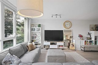 "Photo 3: 111 125 MILROSS Avenue in Vancouver: Downtown VE Condo for sale in ""CREEKSIDE"" (Vancouver East)  : MLS®# R2418206"