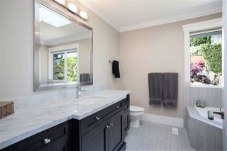 Photo 15: 1056 DORAN Road in North Vancouver: Lynn Valley House for sale : MLS®# R2454858