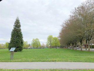 Photo 3: 109 5888 DOVER Crescent in Richmond: Riverdale RI Condo for sale : MLS®# R2456039