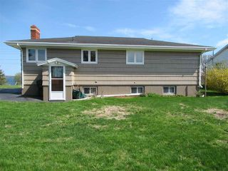 Photo 3: 3 Blaine Boulevard in North Sydney: 205-North Sydney Residential for sale (Cape Breton)  : MLS®# 202009103