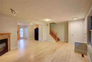 Photo 3: 2417 53 Avenue SW in Calgary: North Glenmore Park Semi Detached for sale : MLS®# C4299772