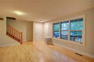 Photo 4: 2417 53 Avenue SW in Calgary: North Glenmore Park Semi Detached for sale : MLS®# C4299772