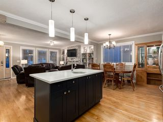 Photo 15: 908 PENSDALE Crescent SE in Calgary: Penbrooke Meadows Detached for sale : MLS®# A1018002