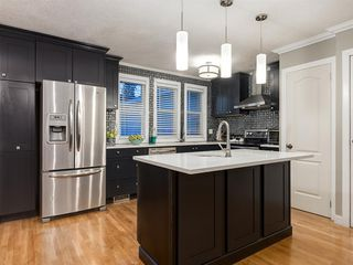 Photo 8: 908 PENSDALE Crescent SE in Calgary: Penbrooke Meadows Detached for sale : MLS®# A1018002