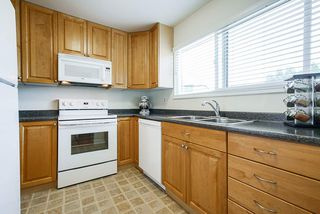 """Photo 10: 3340 VINCENT Street in Port Coquitlam: Glenwood PQ Townhouse for sale in """"Burkview"""" : MLS®# R2488086"""