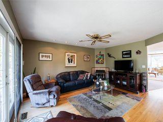 Photo 3: 646 Redwood Dr in : PQ Qualicum Beach House for sale (Parksville/Qualicum)  : MLS®# 853643