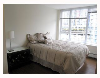 "Photo 6: 806 633 ABBOTT Street in Vancouver: Downtown VW Condo for sale in ""THE ESPANA"" (Vancouver West)  : MLS®# V794342"