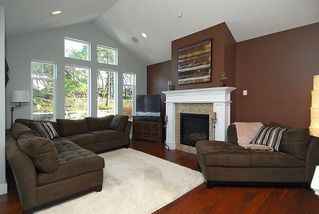 Photo 2: 2176 Harrow Gate in Victoria: Residential for sale : MLS®# 270626