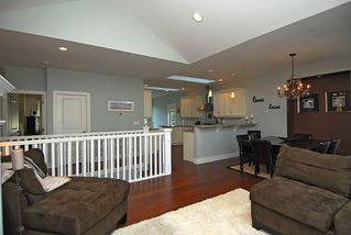 Photo 4: 2176 Harrow Gate in Victoria: Residential for sale : MLS®# 270626