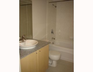 "Photo 3: 2707 1199 SEYMOUR Street in Vancouver: Downtown VW Condo for sale in ""BRAVA"" (Vancouver West)  : MLS®# V669409"