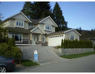 Photo 1: 918 EVERGREEN Place in North_Vancouver: Forest Hills NV House for sale (North Vancouver)  : MLS®# V701261