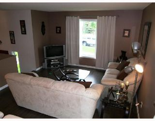 Photo 2: 18 ALDGATE Road in WINNIPEG: St Vital Residential for sale (South East Winnipeg)  : MLS®# 2810441