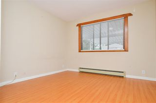 Photo 7: 5385 EARLES Street in Vancouver: Collingwood VE House for sale (Vancouver East)  : MLS®# R2387990