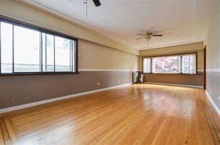 Photo 2: 5385 EARLES Street in Vancouver: Collingwood VE House for sale (Vancouver East)  : MLS®# R2387990